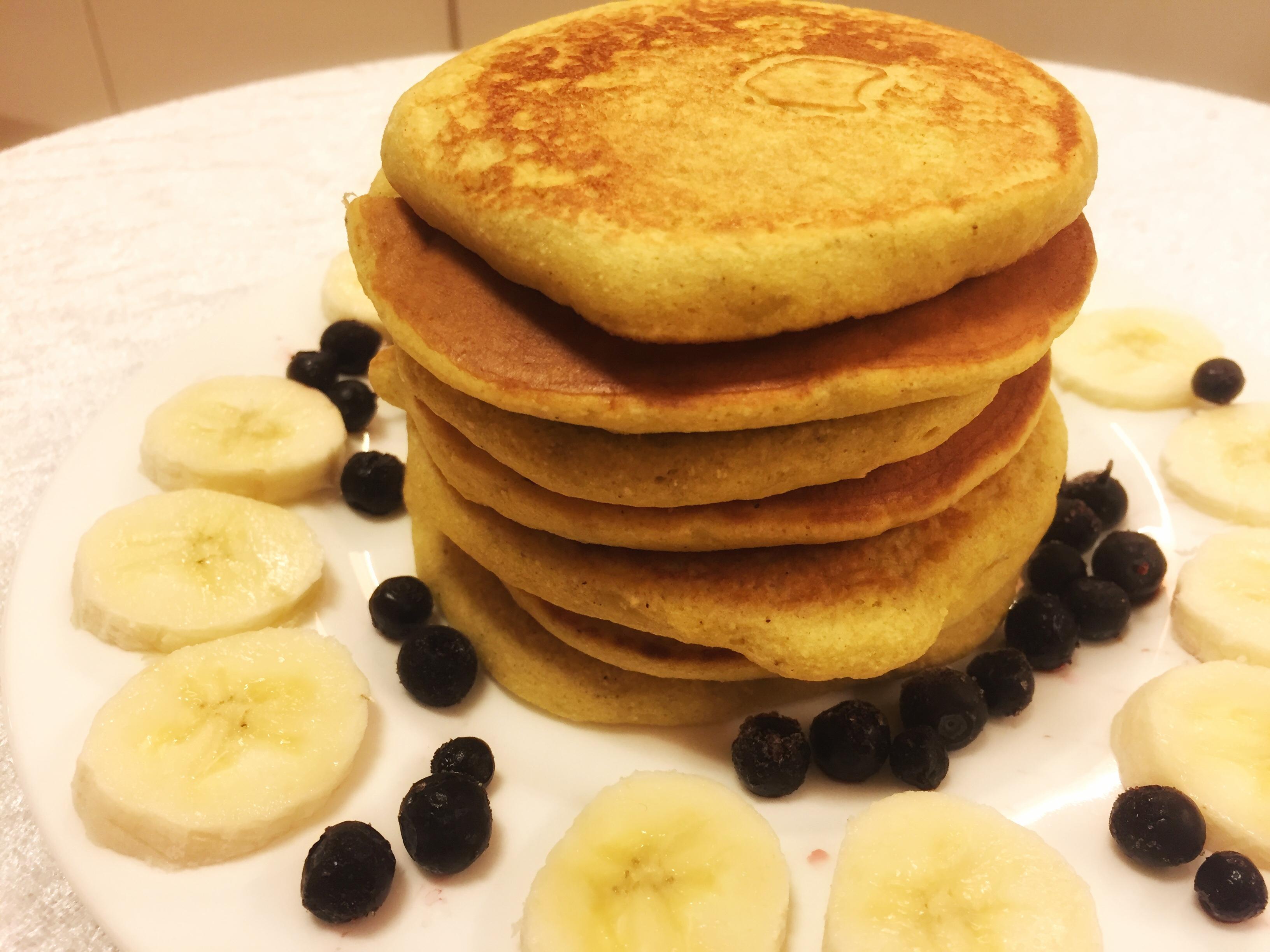 Enkle og sunne bananpannenkaker – gluten og melkefri